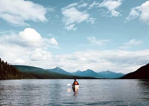 Explore Bowron Lake Provincial Park, world class canoeing circuit